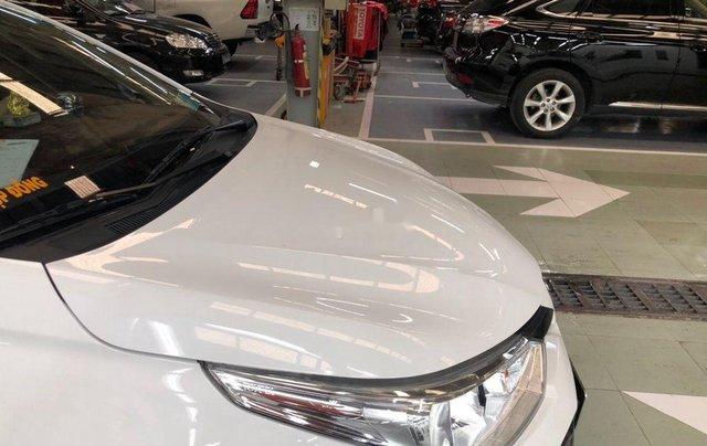Cần bán lại xe Toyota Vios sản xuất 2018, màu trắng, nhập khẩu, số tự động8