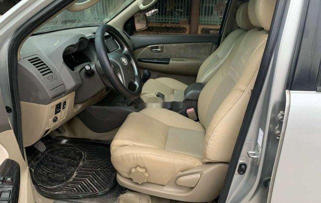 Cần bán gấp Toyota Fortuner đời 2013, màu bạc, số sàn6