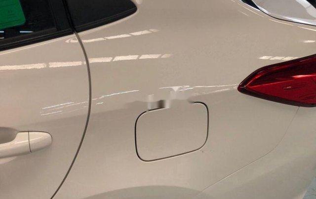 Cần bán lại xe Toyota Vios sản xuất 2018, màu trắng, nhập khẩu, số tự động4
