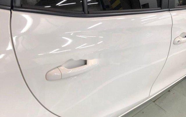 Cần bán lại xe Toyota Vios sản xuất 2018, màu trắng, nhập khẩu, số tự động9