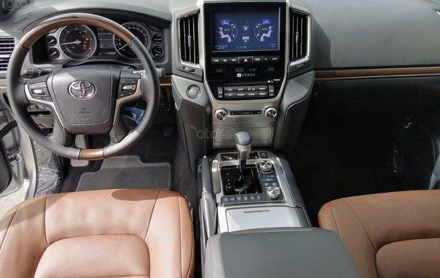 Toyota Land Cruiser sản xuất 2020 giao ngay trong tháng 113