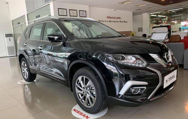 Cần bán nhanh với giá thấp chiếc xe Nissan X-Trail 2.0 màu đen, sản xuất năm 2020, giao nhanh0