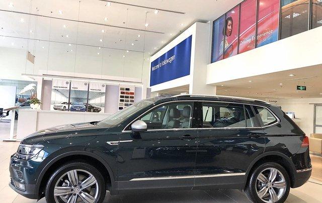 KM cực khủng tháng 10 cho Tiguan Luxury S, màu xanh rêu lạ mắt, không đụng hàng, xe giao ngay, tận nhà. Hỗ trợ NH4