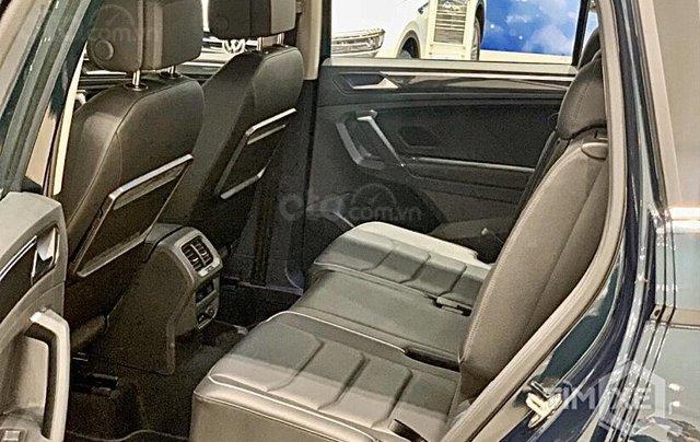 KM cực khủng tháng 10 cho Tiguan Luxury S, màu xanh rêu lạ mắt, không đụng hàng, xe giao ngay, tận nhà. Hỗ trợ NH7