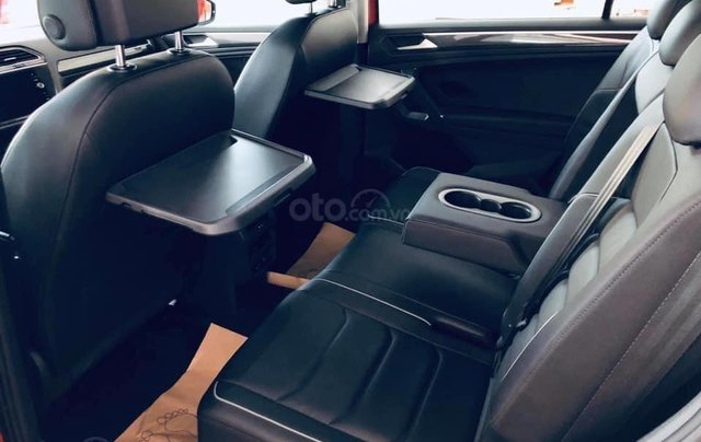 KM cực khủng tháng 10 cho Tiguan Luxury S, màu xanh rêu lạ mắt, không đụng hàng, xe giao ngay, tận nhà. Hỗ trợ NH8
