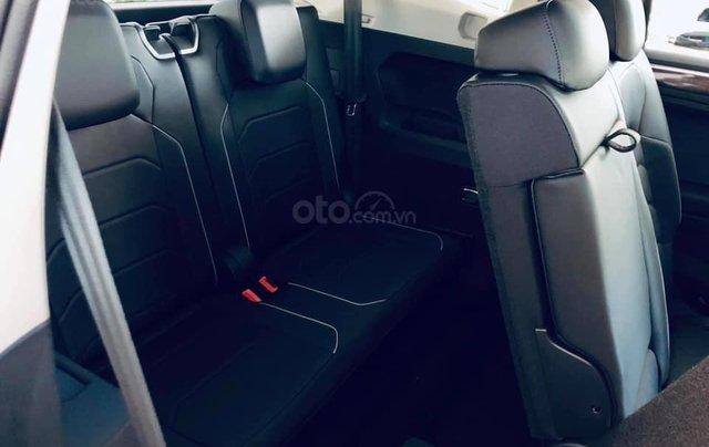 KM cực khủng tháng 10 cho Tiguan Luxury S, màu xanh rêu lạ mắt, không đụng hàng, xe giao ngay, tận nhà. Hỗ trợ NH10