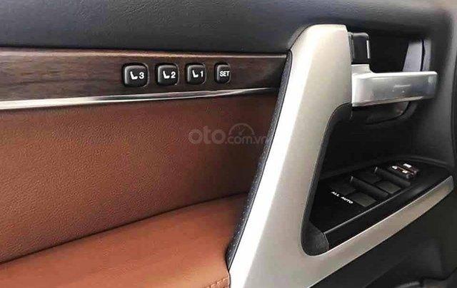 Bán xe Toyota Land Cruiser năm sản xuất 2020, màu đen, nhập khẩu  2
