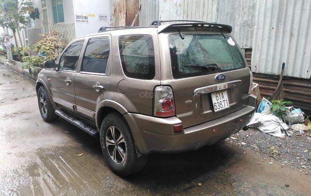 Bán xe Ford Escape tự động, màu cát2