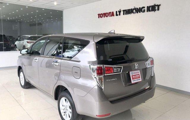 Bán xe Toyota Innova đời 2019, màu xám. Full options3
