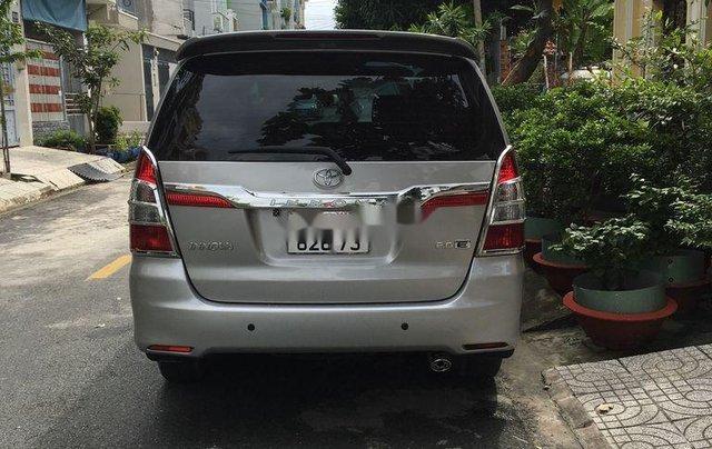 Bán ô tô Toyota Innova đời 2015, đăng ký 2016, màu bạc số sàn1