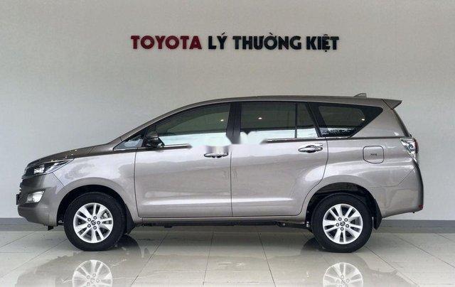 Bán xe Toyota Innova đời 2019, màu xám. Full options2