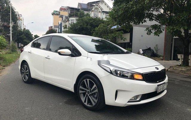 Cần bán lại xe Kia Cerato sản xuất 2018, màu trắng4