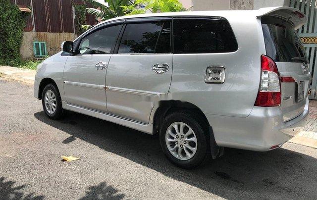 Cần bán xe Toyota Innova sản xuất 2014, màu bạc số sàn1