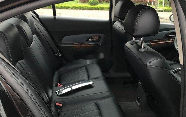 Cần bán gấp Chevrolet Cruze sản xuất 2010, màu đen, số sàn11
