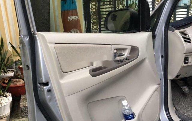 Bán ô tô Toyota Innova đời 2015, đăng ký 2016, màu bạc số sàn11