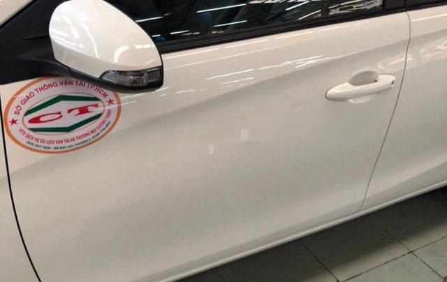 Cần bán lại xe Toyota Vios sản xuất 2018, màu trắng, nhập khẩu, số tự động2