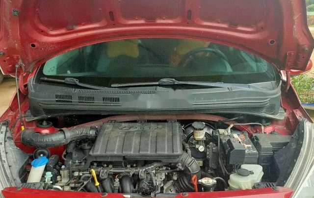 Cần bán gấp Hyundai Grand i10 2017, màu đỏ xe gia đình, 345tr7