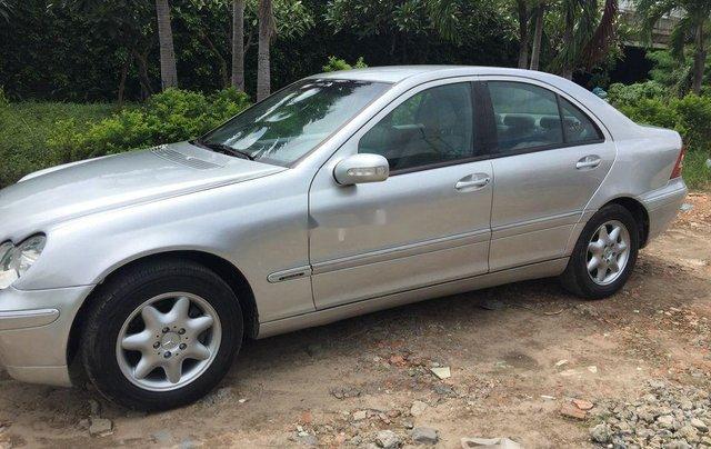 Bán Mercedes đời 2002, màu bạc, xe nhập số sàn 3