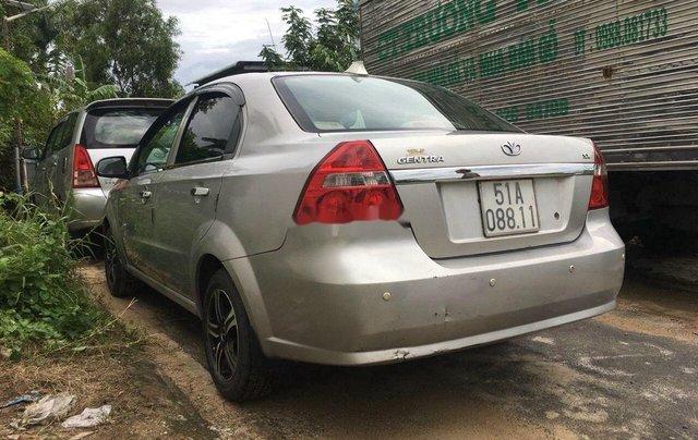 Bán xe Daewoo Gentra đời 2011, màu bạc số sàn2