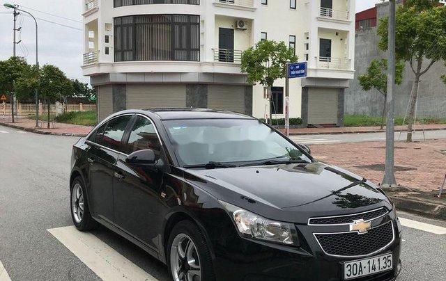 Cần bán gấp Chevrolet Cruze sản xuất 2010, màu đen, số sàn4