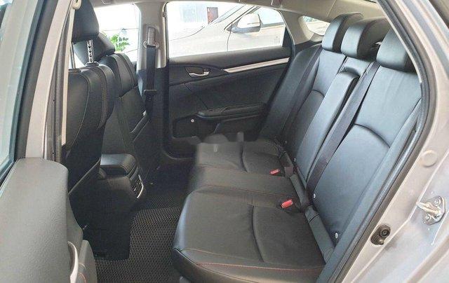 Bán Honda Civic đời 2019, màu bạc3