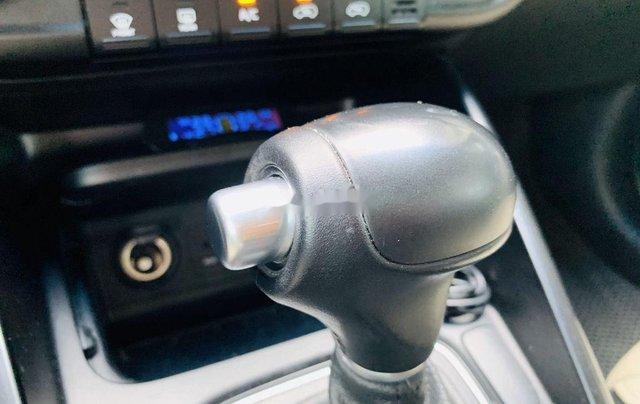 Cần bán gấp Kia Rondo sản xuất 2015 còn mới, giá chỉ 515 triệu8