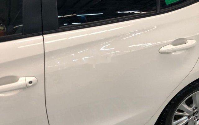 Cần bán lại xe Toyota Vios sản xuất 2018, màu trắng, nhập khẩu, số tự động3