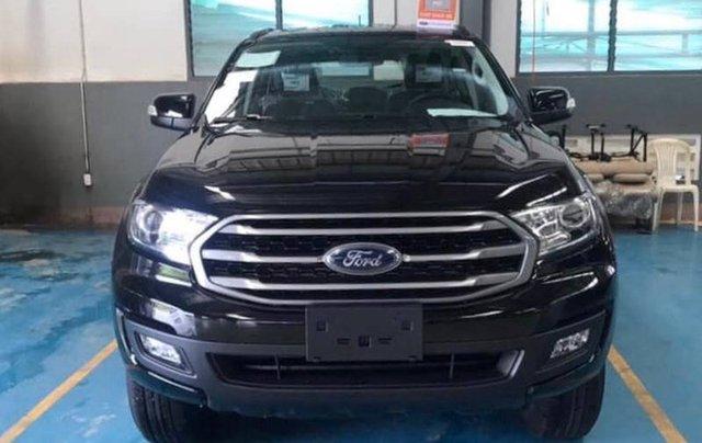 Cần bán Ford Everest Ambient MT, màu đen giao ngay, giảm giá 110 triệu năm 20194