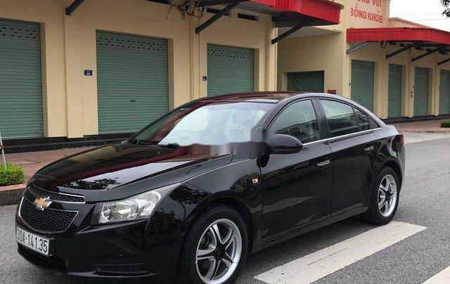 Cần bán gấp Chevrolet Cruze sản xuất 2010, màu đen, số sàn3