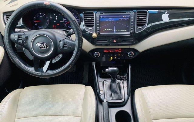 Cần bán gấp Kia Rondo sản xuất 2015 còn mới, giá chỉ 515 triệu5