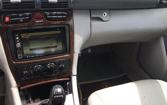 Bán Mercedes đời 2002, màu bạc, xe nhập số sàn 7