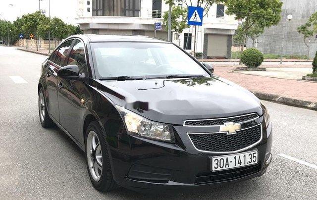 Cần bán gấp Chevrolet Cruze sản xuất 2010, màu đen, số sàn6
