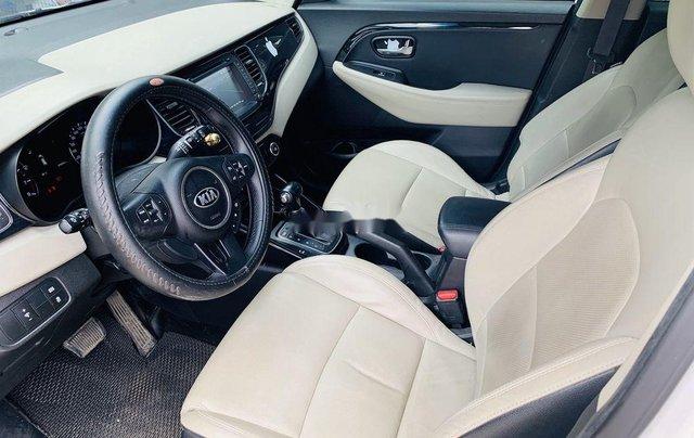 Cần bán gấp Kia Rondo sản xuất 2015 còn mới, giá chỉ 515 triệu7