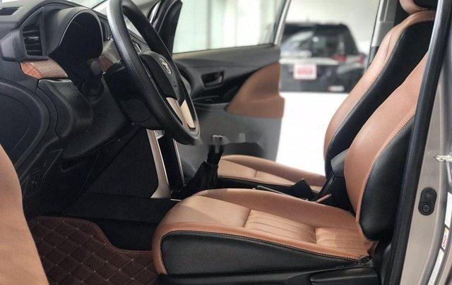 Bán xe Toyota Innova đời 2019, màu xám. Full options7