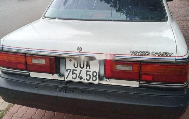 Bán Toyota Camry sản xuất năm 1988, màu trắng, nhập khẩu nguyên chiếc7