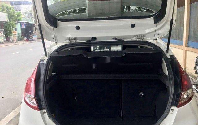 Bán Ford Fiesta năm sản xuất 2016, xe còn mới giá mềm10