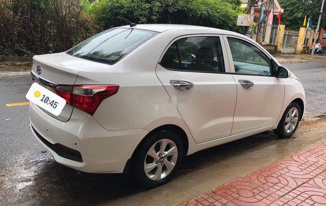 Bán gấp chiếc Hyundai Grand i10 năm sản xuất 2018, xe giá thấp, động cơ ổn định 3
