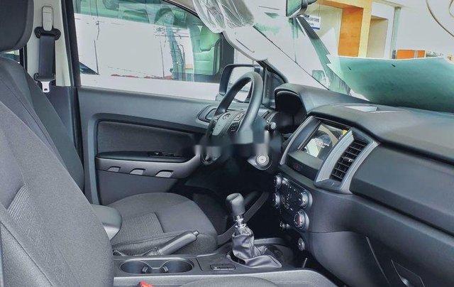 Bán ô tô Ford Ranger XLS sản xuất năm 2020, nhập khẩu nguyên chiếc, giá mềm2
