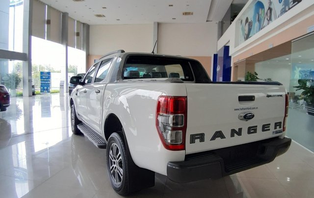 Ford Ranger WT 4X4 Biturbo giá chỉ từ 840 triệu kèm km hấp dẫn3