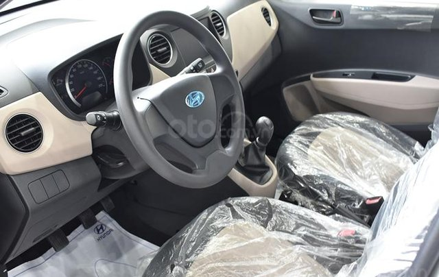 Cần bán Hyundai Grand i10 năm sản xuất 2020, màu trắng4