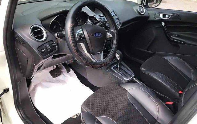 Cần bán lại xe Ford Fiesta năm 2015, màu trắng còn mới, giá tốt4