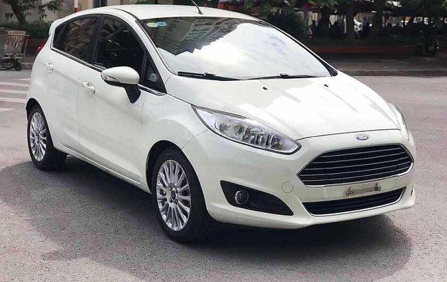Cần bán lại xe Ford Fiesta năm 2015, màu trắng còn mới, giá tốt0