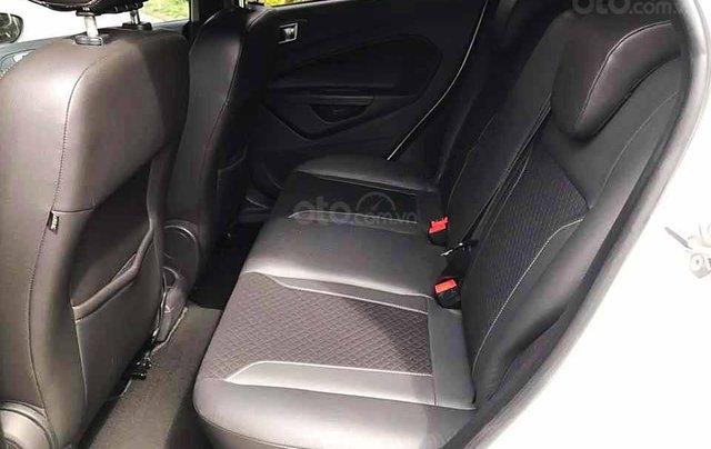 Cần bán lại xe Ford Fiesta năm 2015, màu trắng còn mới, giá tốt3
