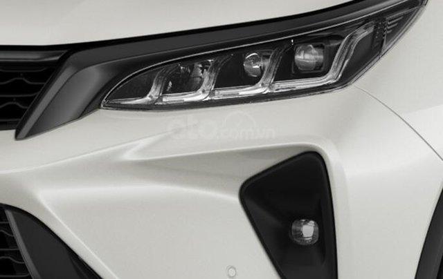 Bán xe Toyota Fortuner Legender 2.4AT 4X2 2020, màu trắng3