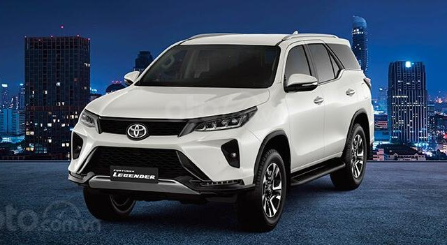 Bán xe Toyota Fortuner Legender 2.4AT 4X2 2020, màu trắng2