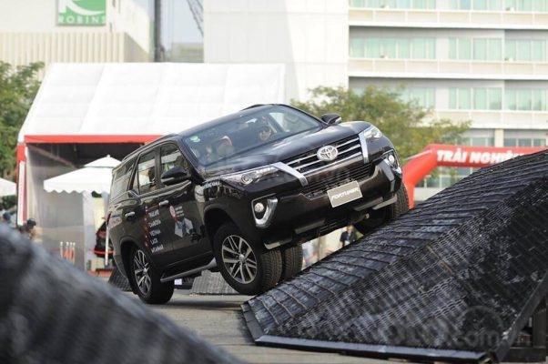 Bán xe Toyota Fortuner 2.4G 4x2 AT 2020, màu nâu5