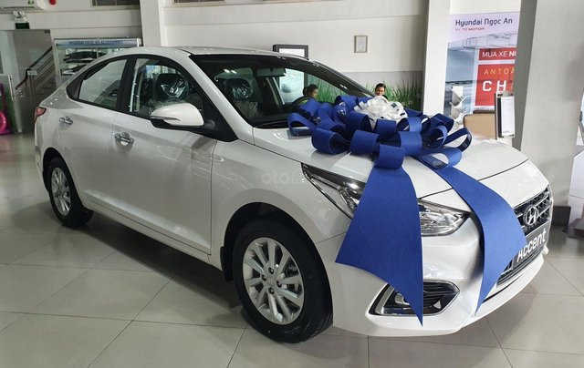 Hyundai Accent AT ĐB 2020. Hỗ trợ lăn bánh giá tốt1