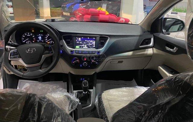 Hyundai Accent AT ĐB 2020. Hỗ trợ lăn bánh giá tốt3