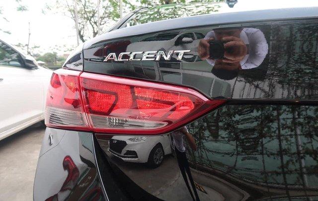 Cần bán xe Hyundai Accent đời 2020, màu đen, số sàn3