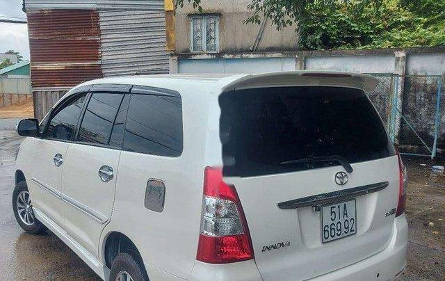 Cần bán lại xe Toyota Innova sản xuất 2013 còn mới2